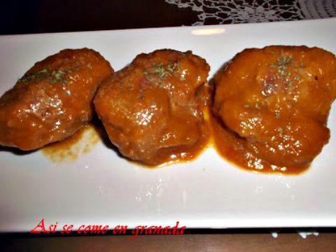 Carrilleras con Salsa de Reducción de Pedro Ximenez