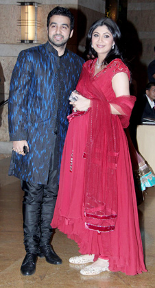 1 - Pregnant Shilpa shetty at Vashu Bhagnani's daughter Honey Bhagnani's sangeet
