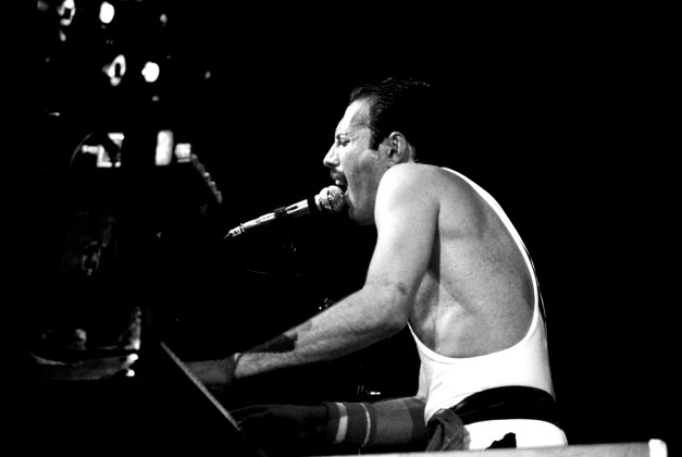 freddie mercury and piano
