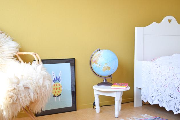 Okergoud op de muur wimke - Muur kleur babykamer meisje ...
