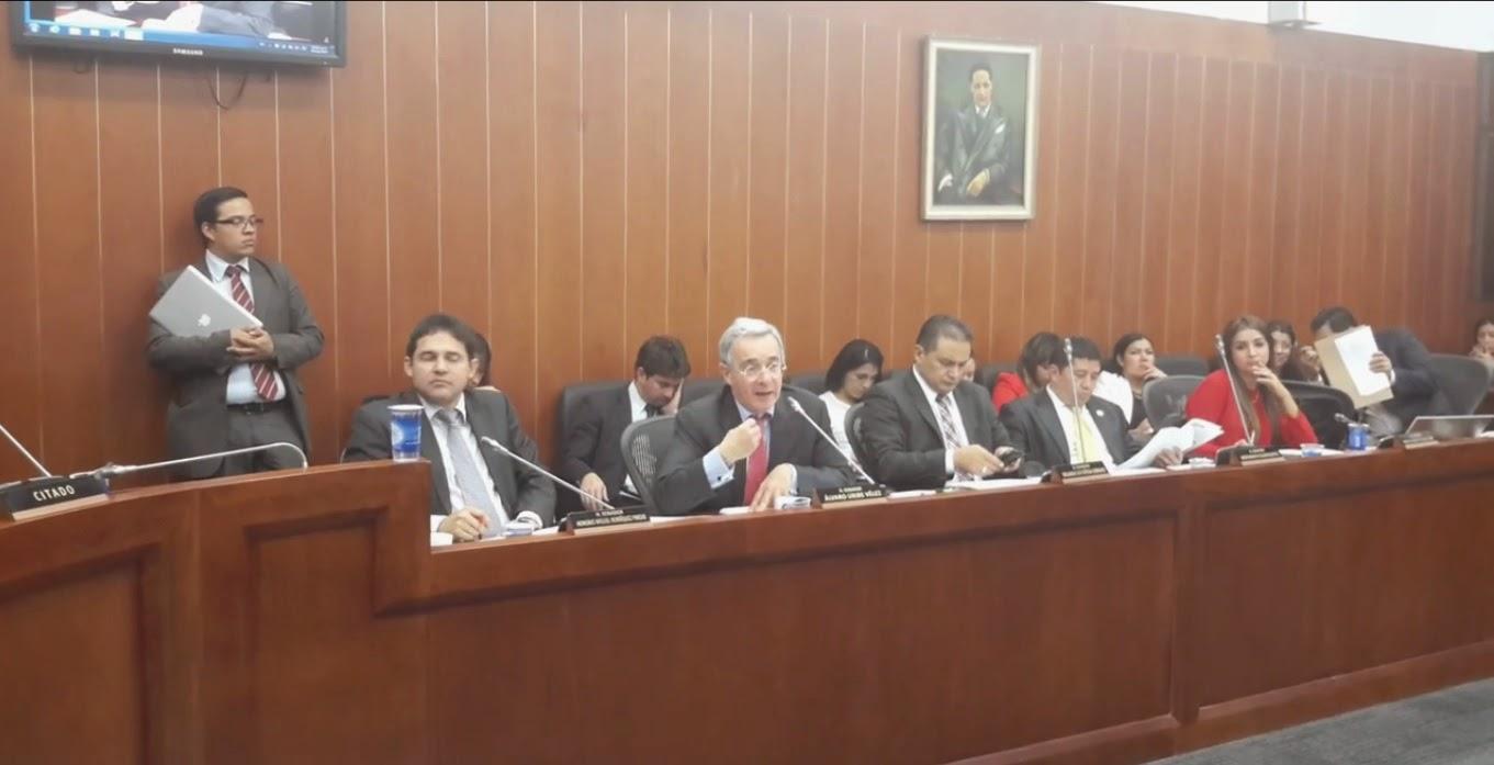 Álvaro Uribe en comisión septima