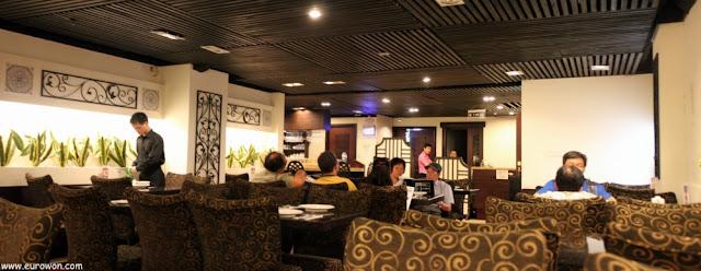Interior del restaurante Estela de Macao