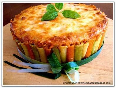 Rigati tricolore z sosem bolognase.