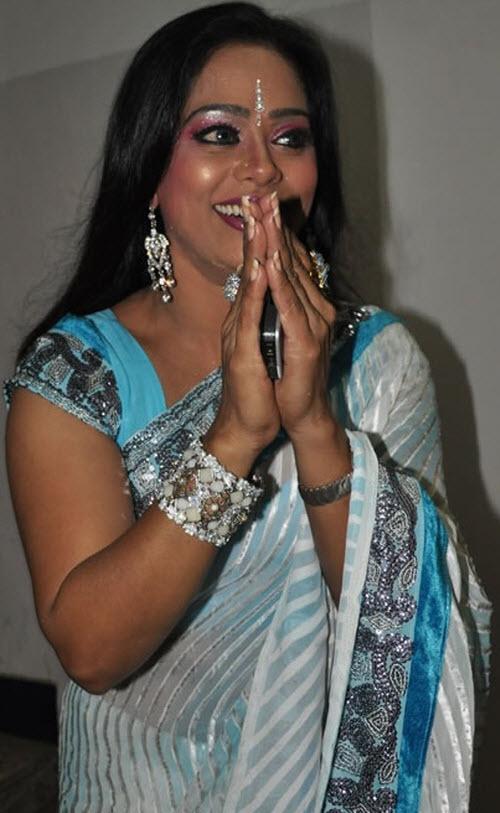devipriya in saree latest photos