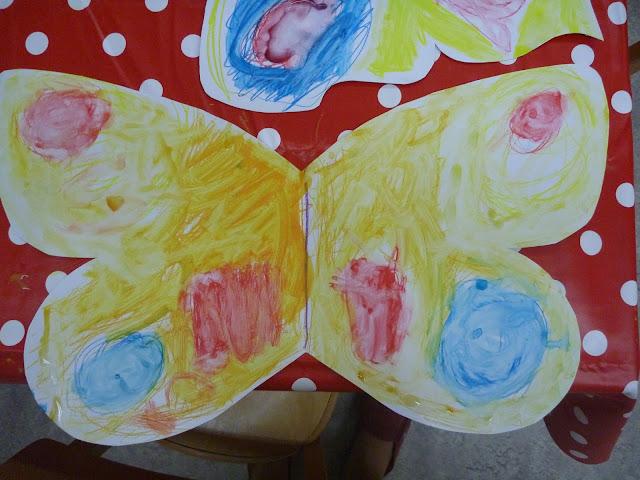 basteln im Kindergarten zu Schmetterlingen