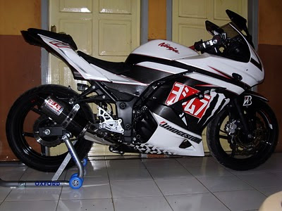 Modifikasi Ninja on Modifikasi Kawasaki Ninja Rr Berikut Ini Terlihat Elagant Dengan