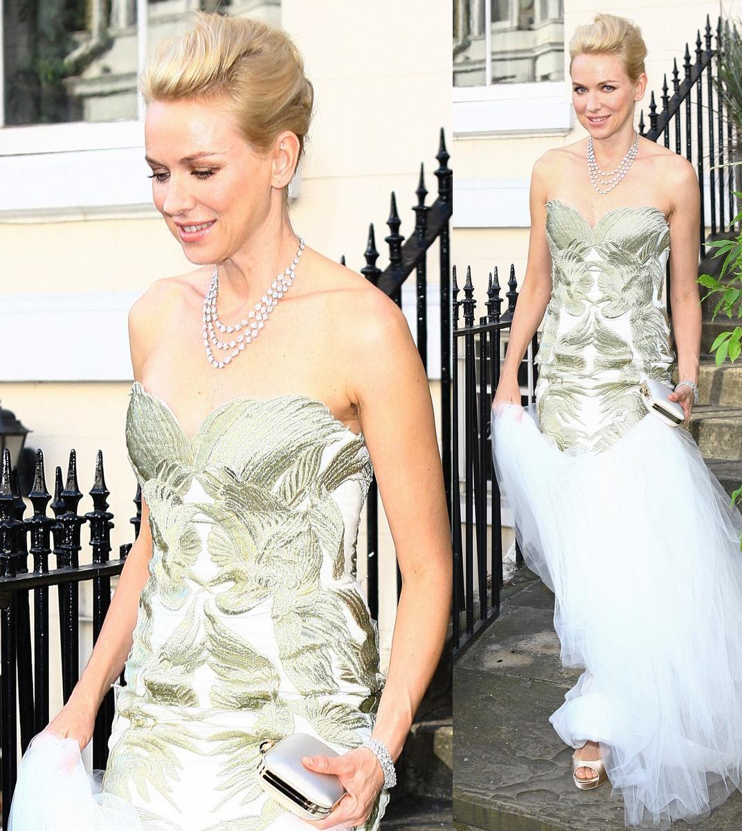 http://3.bp.blogspot.com/-v-hiG5TkZDc/T_A8wHnErgI/AAAAAAAAKxs/LGmvPX-WJ4g/s1600/naomi-watts-white-tie-tiara-ball-london-02.jpg