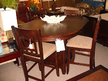Dark Finish Oval Pub Set w /4 Chairs