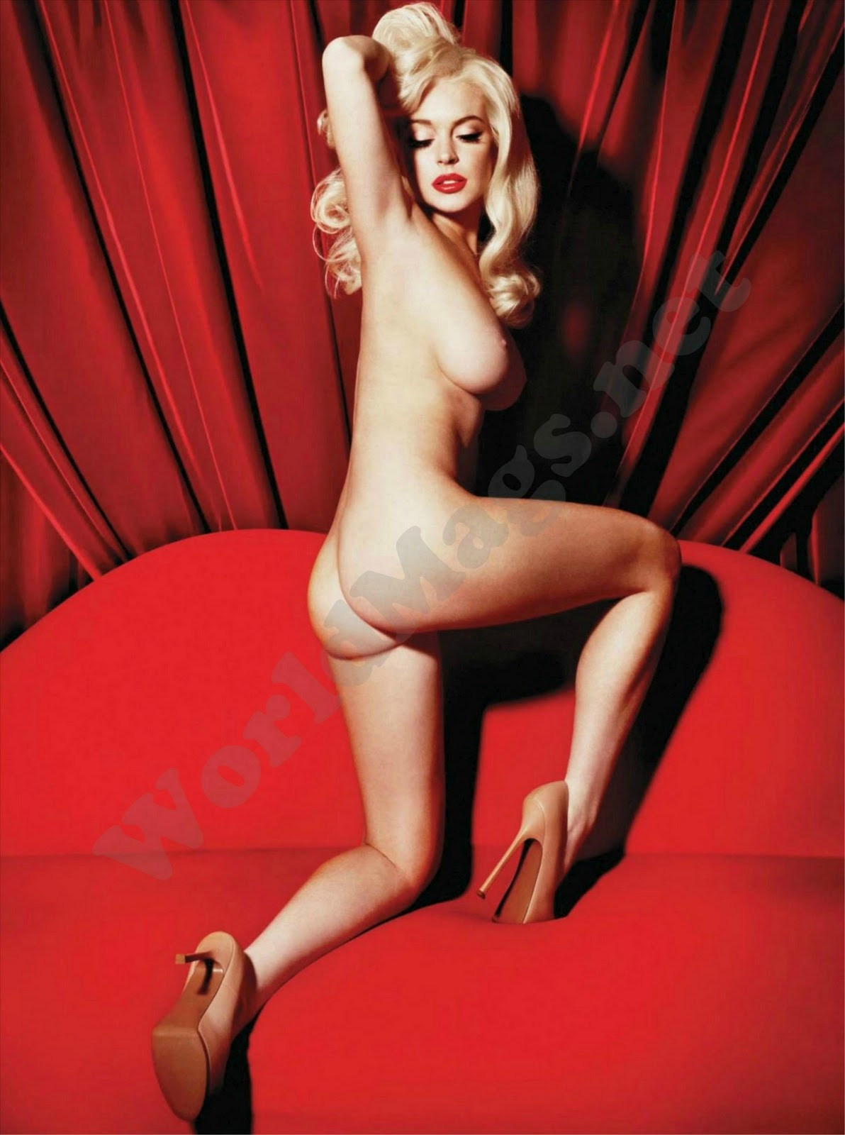 Lindsay lohan poses nude photos