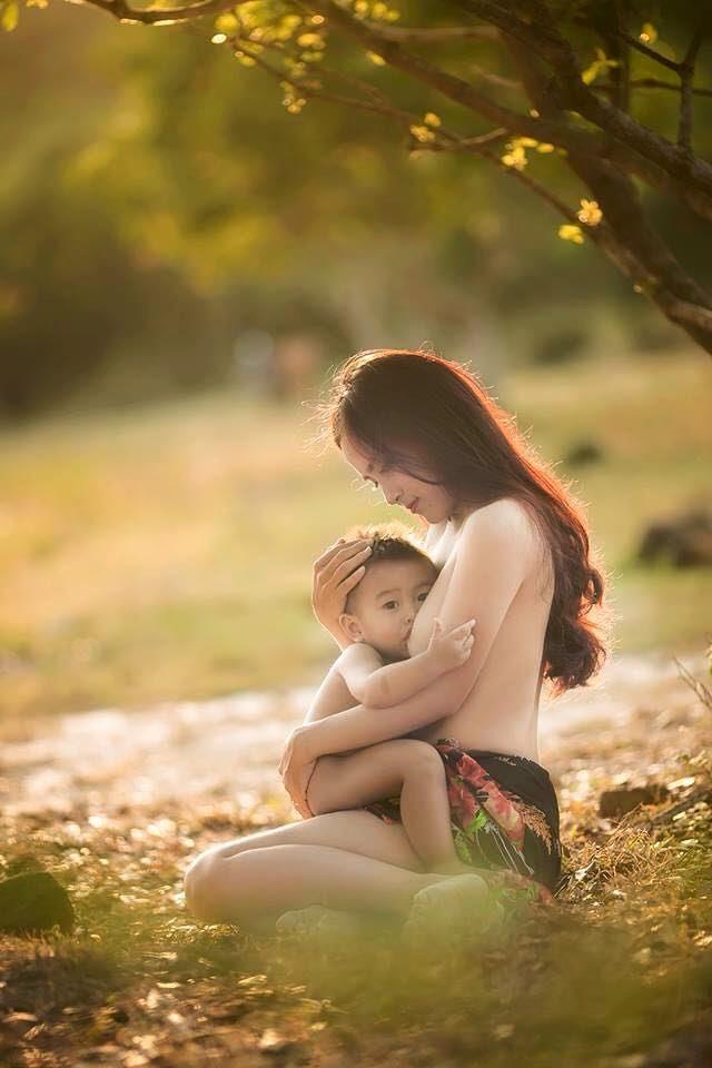 Inilah Bukti Upaya Ibu Untuk Kebaikan Seorang Anak, Ibu Menyusi, Perjuangan Ibu, Cara menyusui yang baik