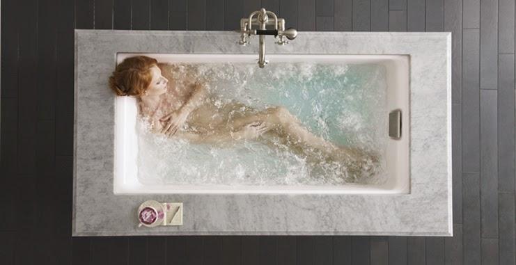 Bồn tắm massage bọt khí Escale