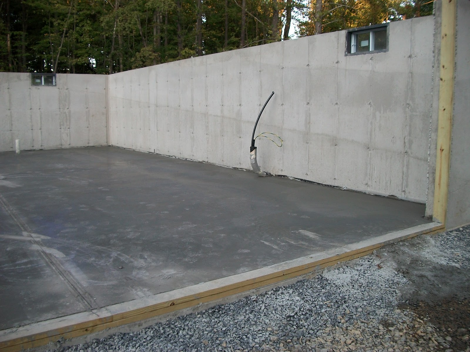 how to make a form for a concrete slab