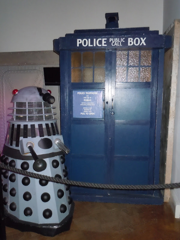 Dr Who Dalek and Tardis movie props