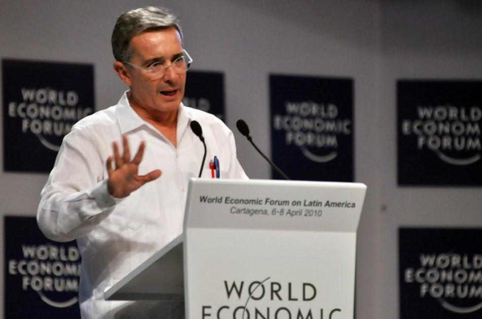 Álvaro Uribe Vélez reiteró que mientras el Gobierno de Juan Manuel Santos claudica ante las Farc, apoya a la dictadura de Maduro para que haga parte del Consejo de Seguridad de las Naciones Unidas.