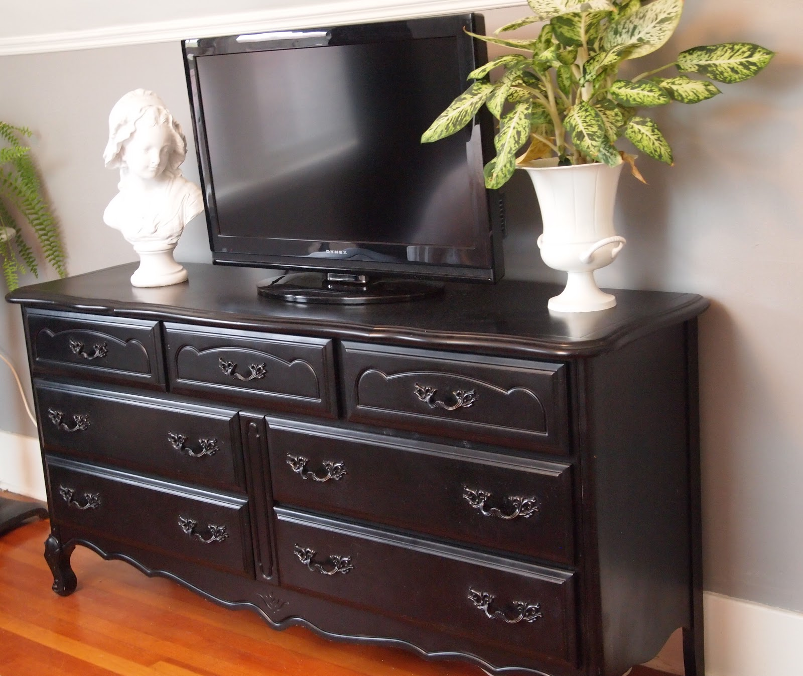 Divine decor on a dime what a lil 39 paint can do for Very cheap furniture