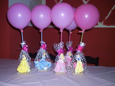 Enfeites de mesa de convidados das Princesas