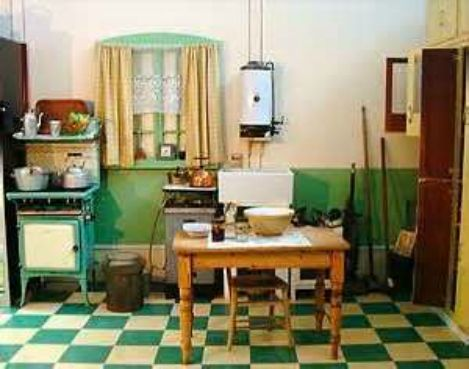 The country farm home farmhouse style kitchens with for 1930 s kitchen cabinets