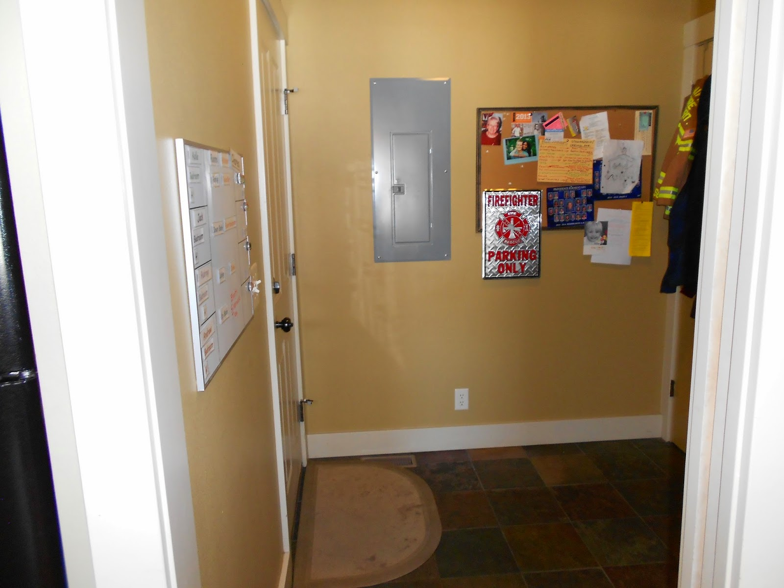 548 edgehill dr mudroom and pantry for Mudroom pantry