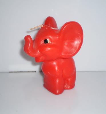 Piros elefánt gyertya