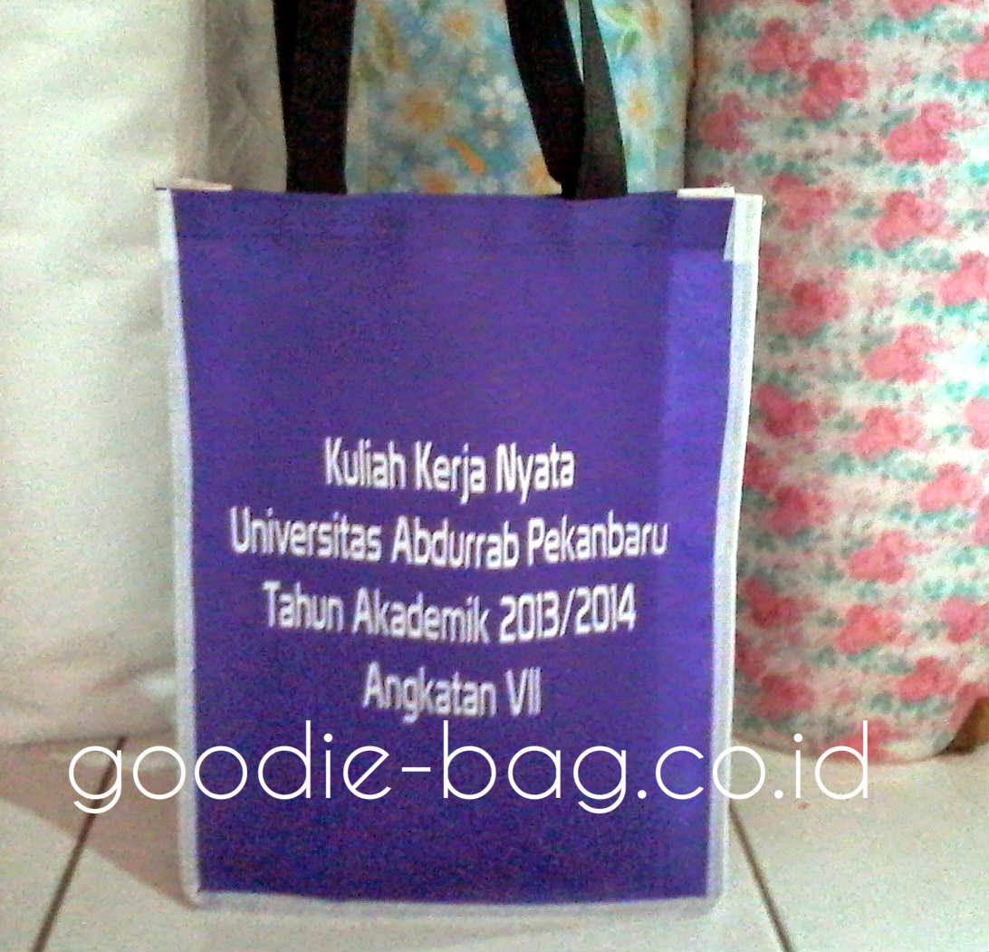 Goody Bag Kuliah Kerja Nyata Universitas