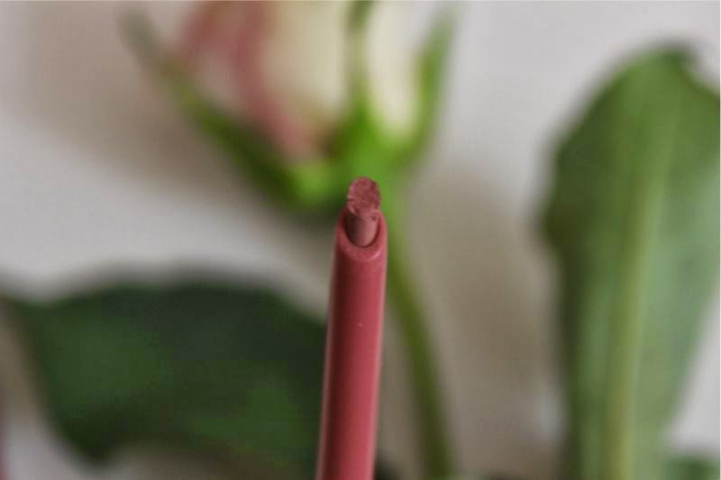 Rimmel Exaggerate Full Colour Lip Liner in Eastend Snob