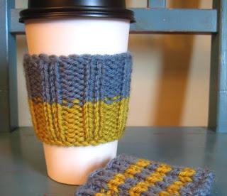 Knit Coffee Cozy Pattern : lavenderkitty: Latte Love Cup Sleeve Pattern!