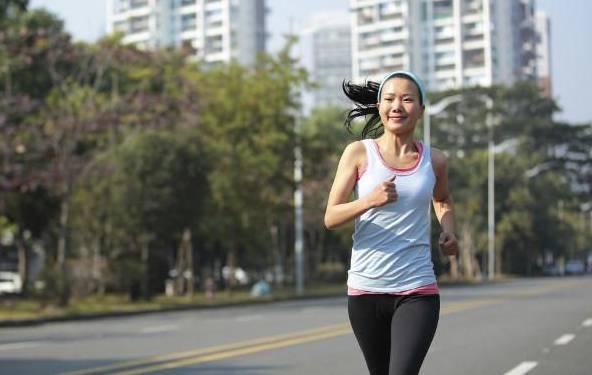 ¿Dolor de cabeza durante o después de correr? ¡Aquí la solución!