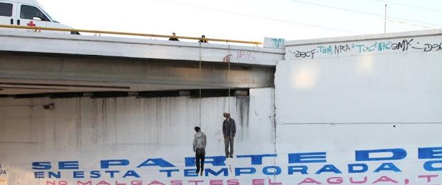 Hallan 2 colgados en puente Chapala-Lechería en Atizapán, Edomex