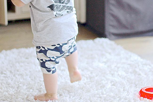 babies first steps, walking 15 months, walking 14 months, baby walking, baby first steps