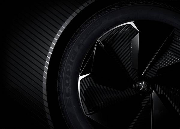プジョー「Fractal Concept」のリアタイヤ画像