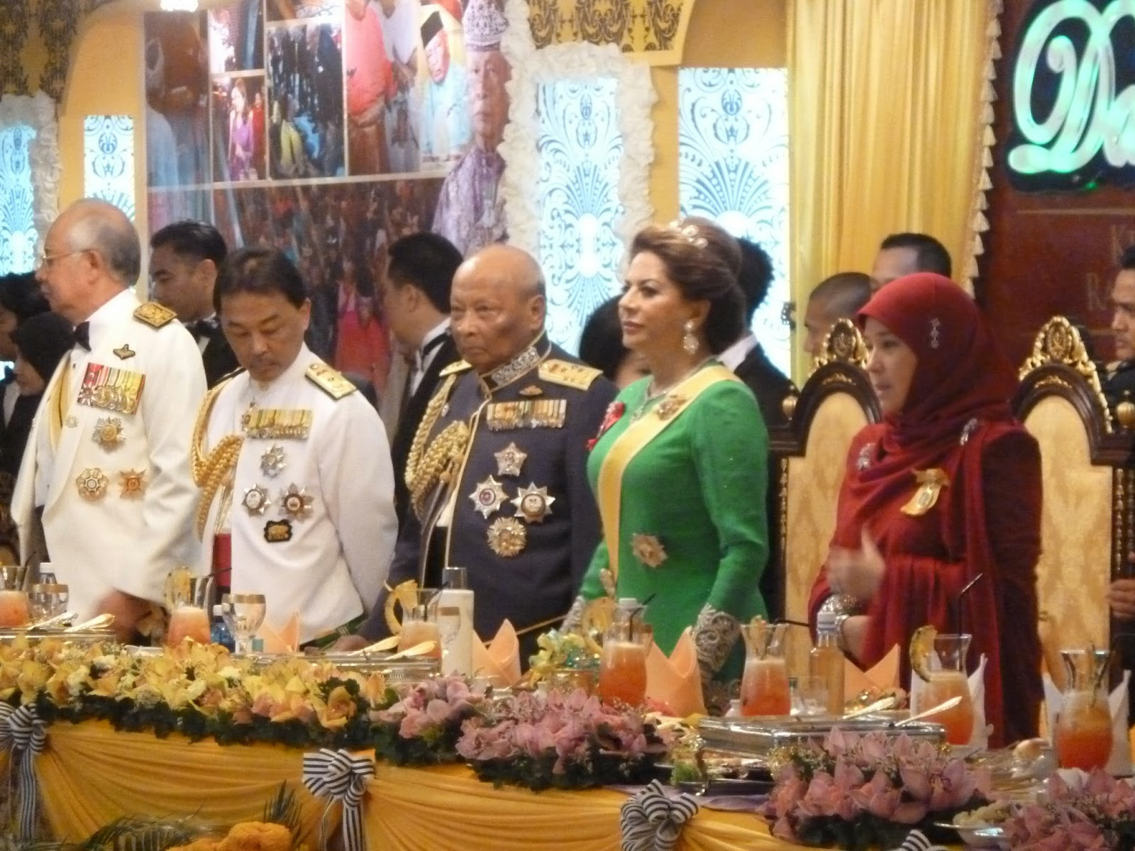 kee hua chee live arrival of his royal highness sultan