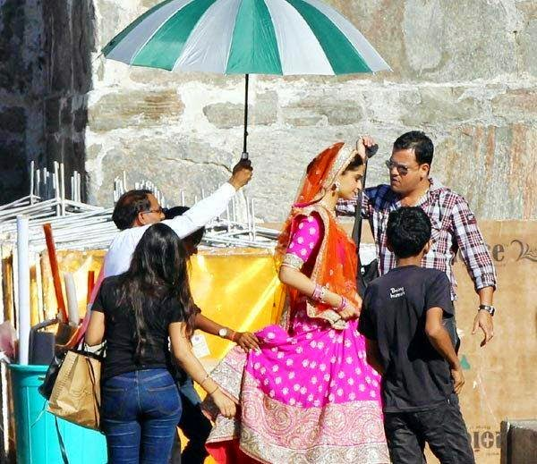 Sonam Kapoor‬ on the Sets of Prem Ratan Dhan Payo shoot