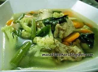 Cara memasak sup ayam sayuran