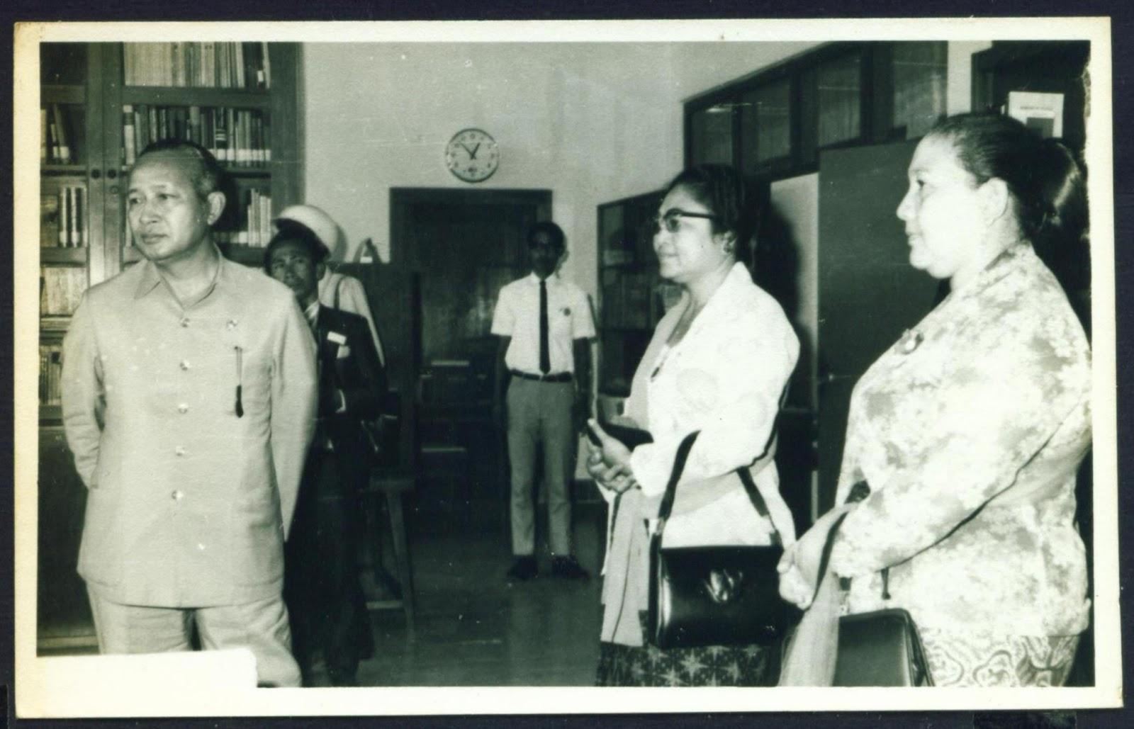 Foto Foto Ibu Ibu Nungging
