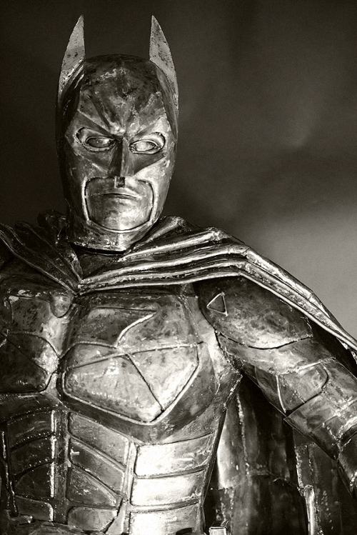 13c-Batman-Bruce-Wayne-Adam-West-Michael-Keaton-Val-Kilmer-George Clooney-Christian-Bale-Giganten-Aus-Stahl