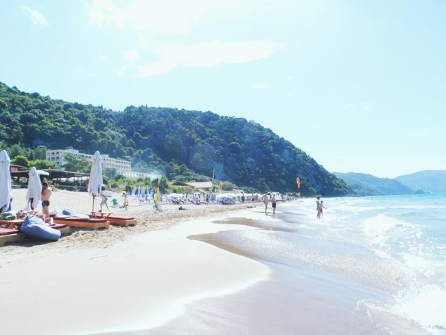 Glyfada beach (Corfu island).Glifada plaza na Krfu.Best sandy beaches in Corfu.Najbolje pescane plaze na Krfu.Best travel blog about Greece.