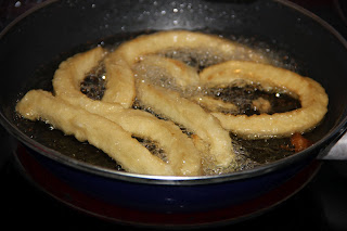 Freir churros en la sarten