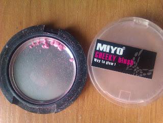 Mój makijaż mineralny cz. II: róż, puder + makijaż ust i oka