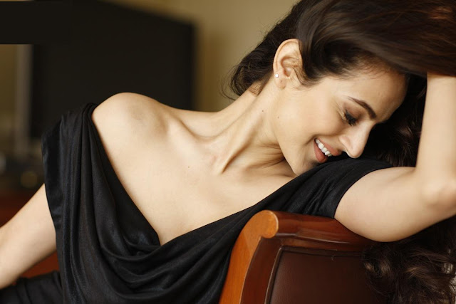 Amihsa Patel Unseen Hot Wallpapers - 2012 - Unseen Pictures - Famous Celebrity Picture