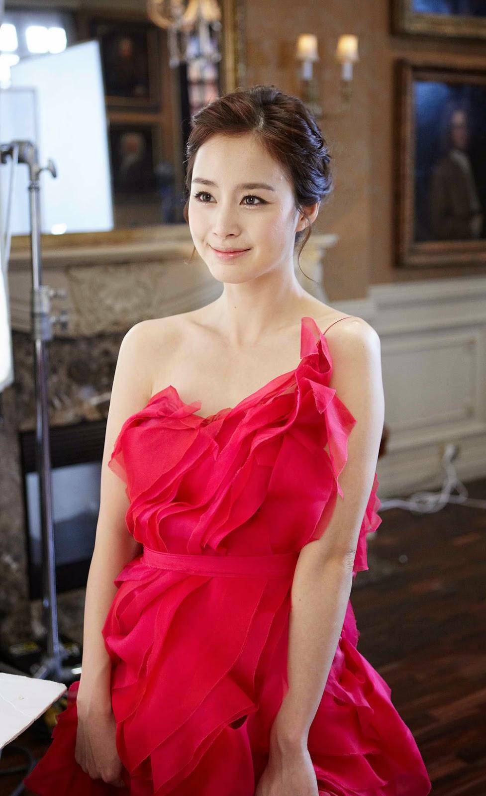 Kim Tae-hee photo 007