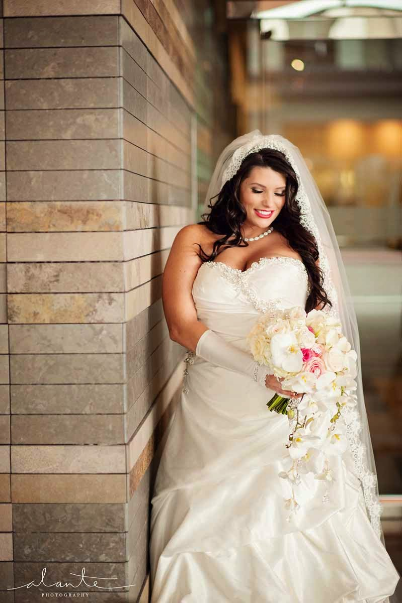 Four Seasons Hotel Seattle wedding, white and pink wedding