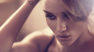 Rosie Huntington Heart Tattoos In Hand Wllpapers
