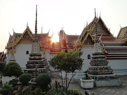 Pôr do sol em Wat Po