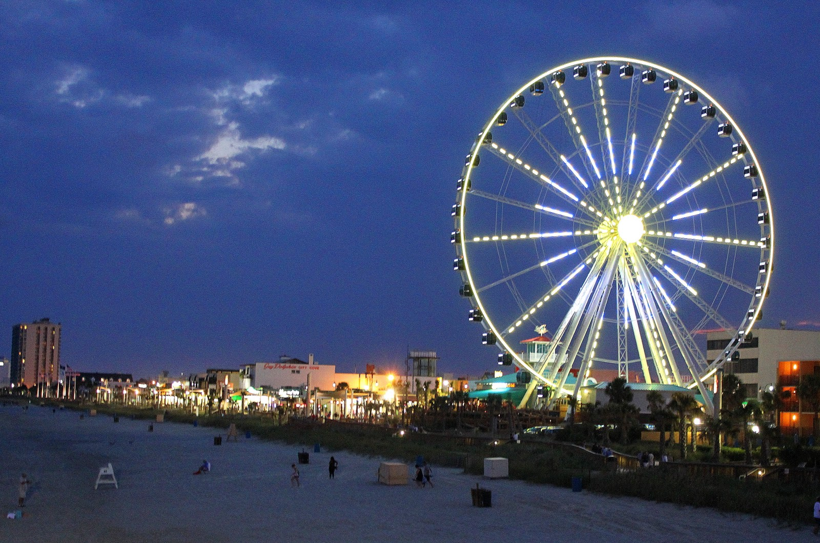 A Tail Of Two Cardis The New Sky Wheel In Myrtle Beach