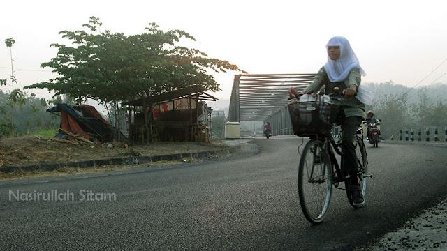 Selamat berakhir pekan, mari bersepeda