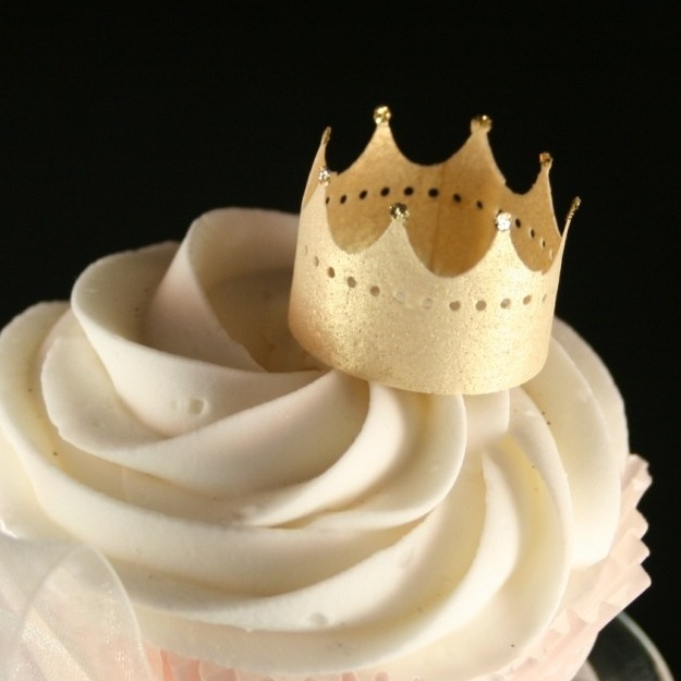 I Love Handmade: Edible Gold Crown Cake Toppers by Sweet Déjà Vu