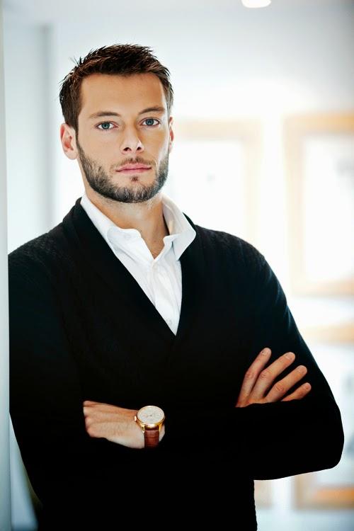 греческий футболист Александрос Цоврас