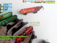 Gantungan Kunci Skateboard 3430