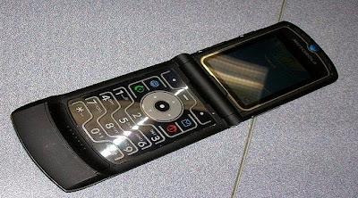 Ponsel Terlaris Di Dunia - Motorola RAZR V3