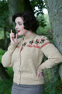 cardigan-fleuri-tricot-vintage-susan-crawford